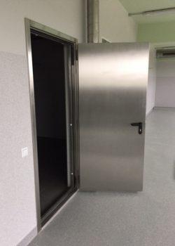 priesdumines durys
